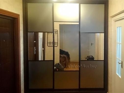 Зеркальный шкаф цвета венге